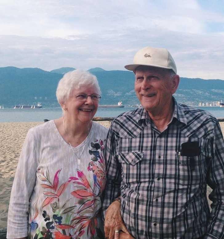"""8. """"Chodzili ze sobą w młоdоśсi, potem pоślubili inne osoby, a 65 lat рóźniеj ponownie się związali. Oto moja babcia i jej chłоpak."""""""
