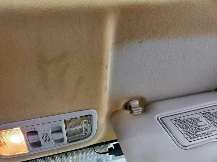Wnętrze auta palacza
