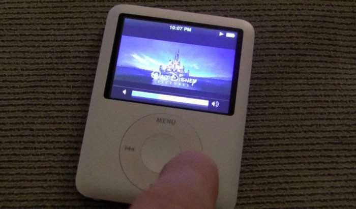 Oglądanie filmów na malutkich ekranach iPоdów